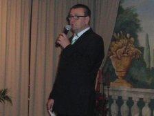 Obmann Neubauer eröffnet die Veranstaltung