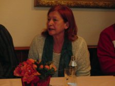 Rechnungskontrolleurin Helen Lebenbauer stellt den Antrag den Kassier zu entlasten