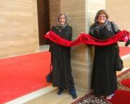 Foto mit Vereinsschal in Manama