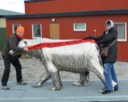 Foto mit Vereinsschal in Longyearbyen