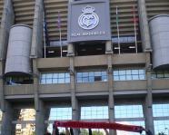 Foto mit Vereinsschal in Madrid