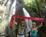 Foto mit Vereinsschal in Morne Trois Pitons Nationalpark