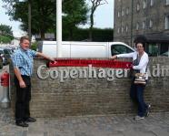 Foto mit Vereinsschal in Kopenhagen
