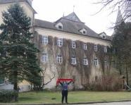 Foto mit Vereinsschal in Feldkirchen an der Donau