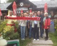 Foto mit Vereinsschal in Mariazell