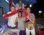 Foto mit Vereinsschal in Phuket